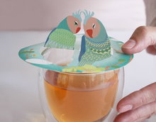 Steam-Waverz,Parrots; Illustrated papergift for wonderful tea moments